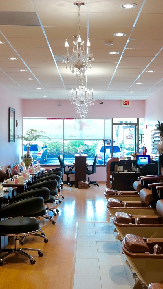 Chase Nails & Spa | Manicure & Pedicure Stations