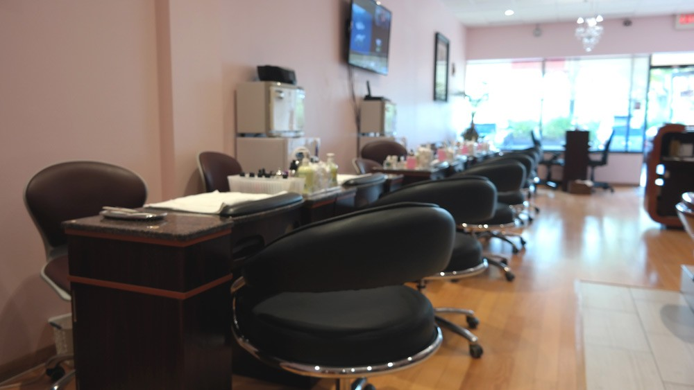 Chase Nails & Spa | Manicure Tables